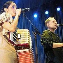 Miguel Bose con Julieta Venegas