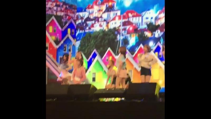 170310 Выступление TWICE на KCTA (Korean Cable TV Show 2017) из инстаграма akichis