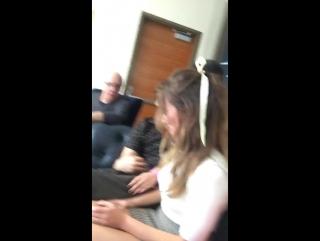 Дэниел и каст «БХМ» за кадром интервью для «Nerdist» в рамках «Комик-Кона» в Сан-Диего, Калифорния, США   20.07.17
