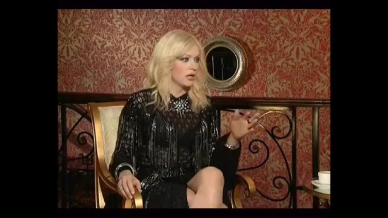 Денис Борисов и травести-телеведущая Монро