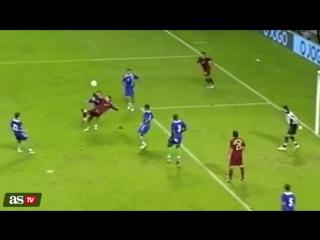 Незасчитанный гол Роналду в ворота Азербайджана в Топ-8