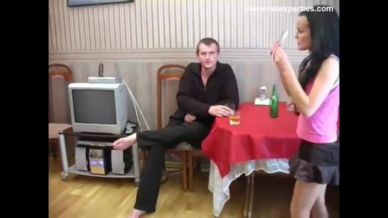 Случайный секс на пьяной вечеринке студентов, занимаются порно с мамой учит страпон девственницы муж