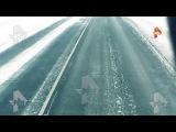 Момент ДТП вылета с трассы фуры с белыми тиграми под Оренбургом