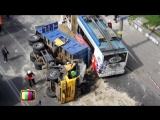 КамАЗ врезался в троллейбус с детьми 27.04.2014 (Киев)