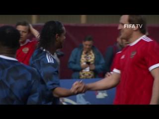Звездная ничья: Россия vs Легенды FIFA