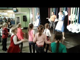 Финальный танец трех классов.