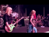 L7 - Shitlist (Live at Hellfest 2015)