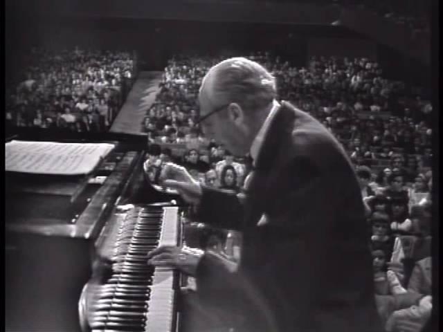 Copland Plays Copland Piano Concerto