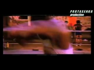 Самый жестокий,яростный,безжалостный боксёр в истории.Лучший нокаутёр в истории бокса-легендарный Майк Тайсон.