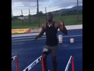 Usain Bolt, треня под клип ...