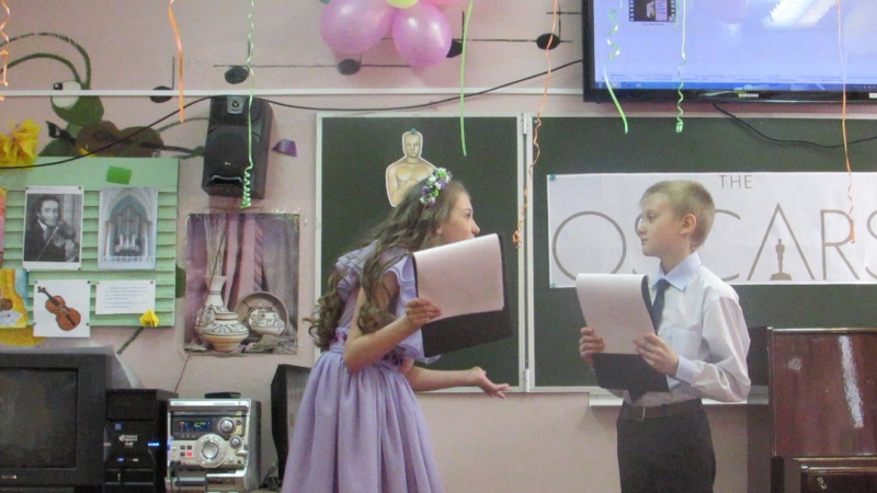 Ведущие Софья Бусалаева и Егор Сотов