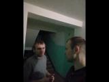 Алексей Попов - пьет в подъезде