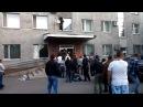 НацГвардия расстреливает мирных граждан референдуме в Красноармейске 11 05 14 Часть 1