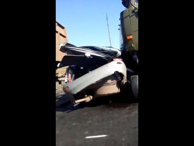 ДТП На трассе М-7 в Башкортостане село Куккуяново автомобиль расплющило между г ...