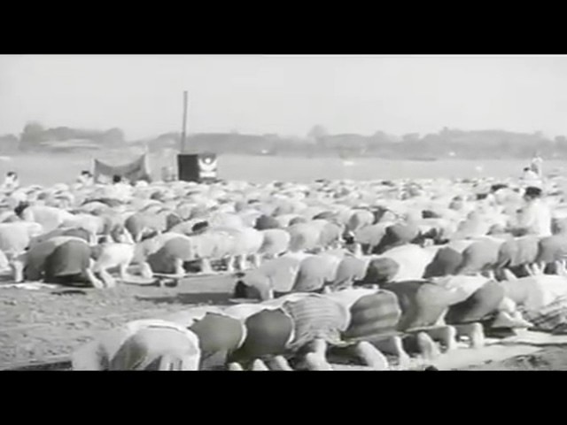Shalat Idul Fitri di masa pendudukan Jepang Jakarta, 1942