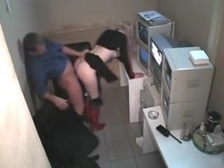 Мужик снял шлюху и трахнул в машине » Домашнее порно видео ...