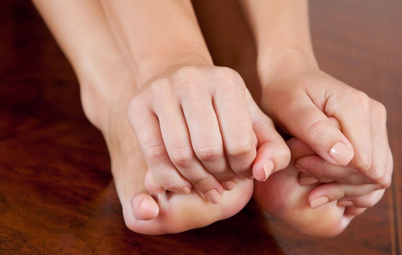 Почему немеют пальцы ног: причины