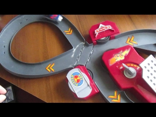 Трек Макквина Cars Lightning Fast Speed Way Track Set Disney Pixar Cars Speedway Track Toy Review.