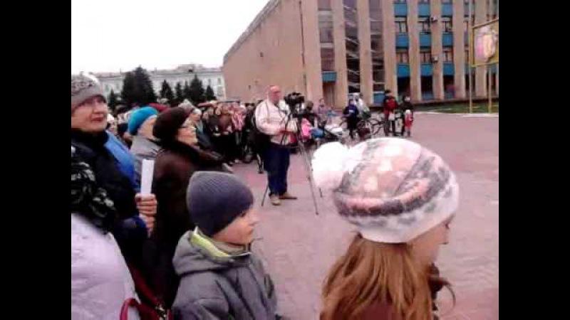 Пасхальне богослужіння в місті Кам'янському на площі Калнишевського з участю хр...