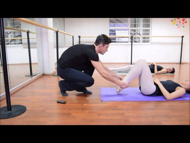 Gimnasia de ballet y estiramiento. Rutina diaria. Clase completa