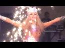 Световое шоу Девушка с мечами Light show the girl with the swords 光の少女剣