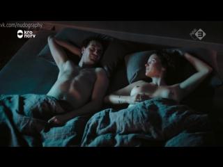 Катя Шурман (Katja Schuurman) голая в сериале