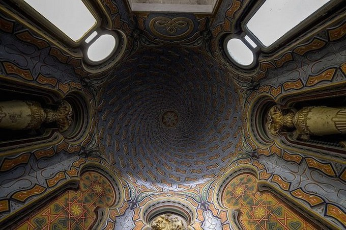 Castello di Sammezzano — скрытый среди тосканских холмов Северной Италии замок.