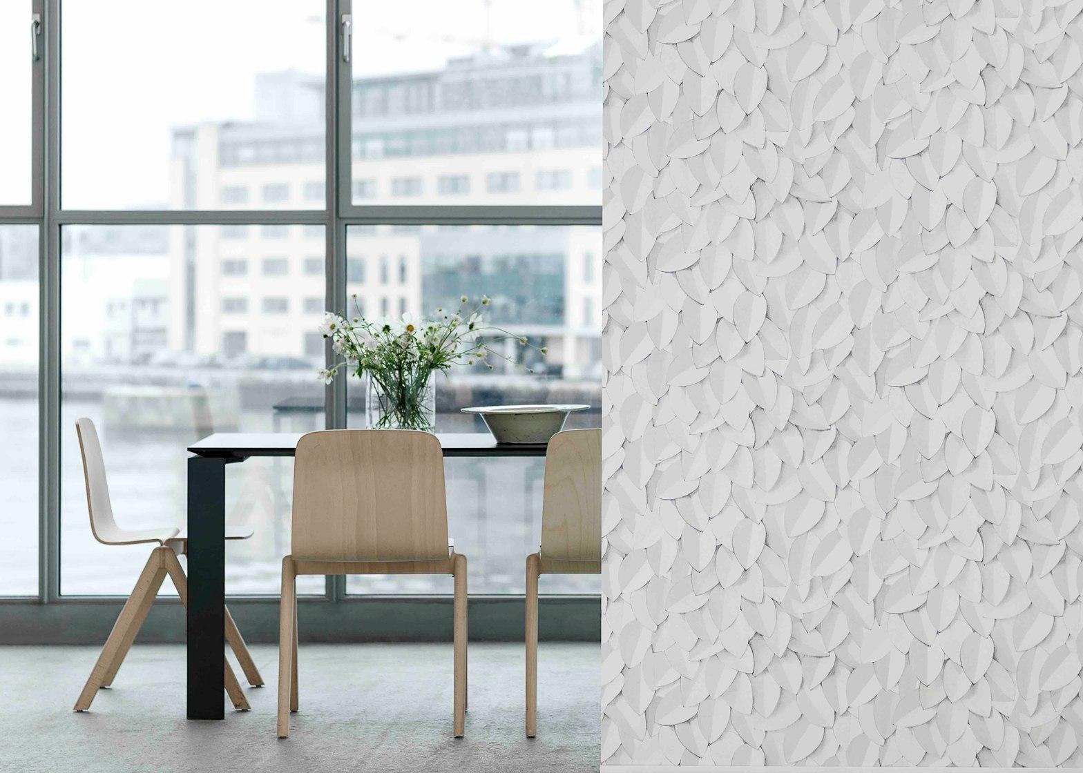 Фронтальные скетче-узоры на стенах для коллекции Eco Wallpaper.