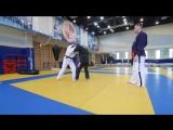 Рычаг локтя в прыжке (висячка) с Русланом Акумовым — как научиться делать рычаг локтя из стойки