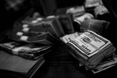 7 советов по финансовому выживанию:1. Постоянный доход.Это очевидно