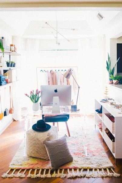 Интерьеры офисов в большинстве компаний обладают определенными стандар
