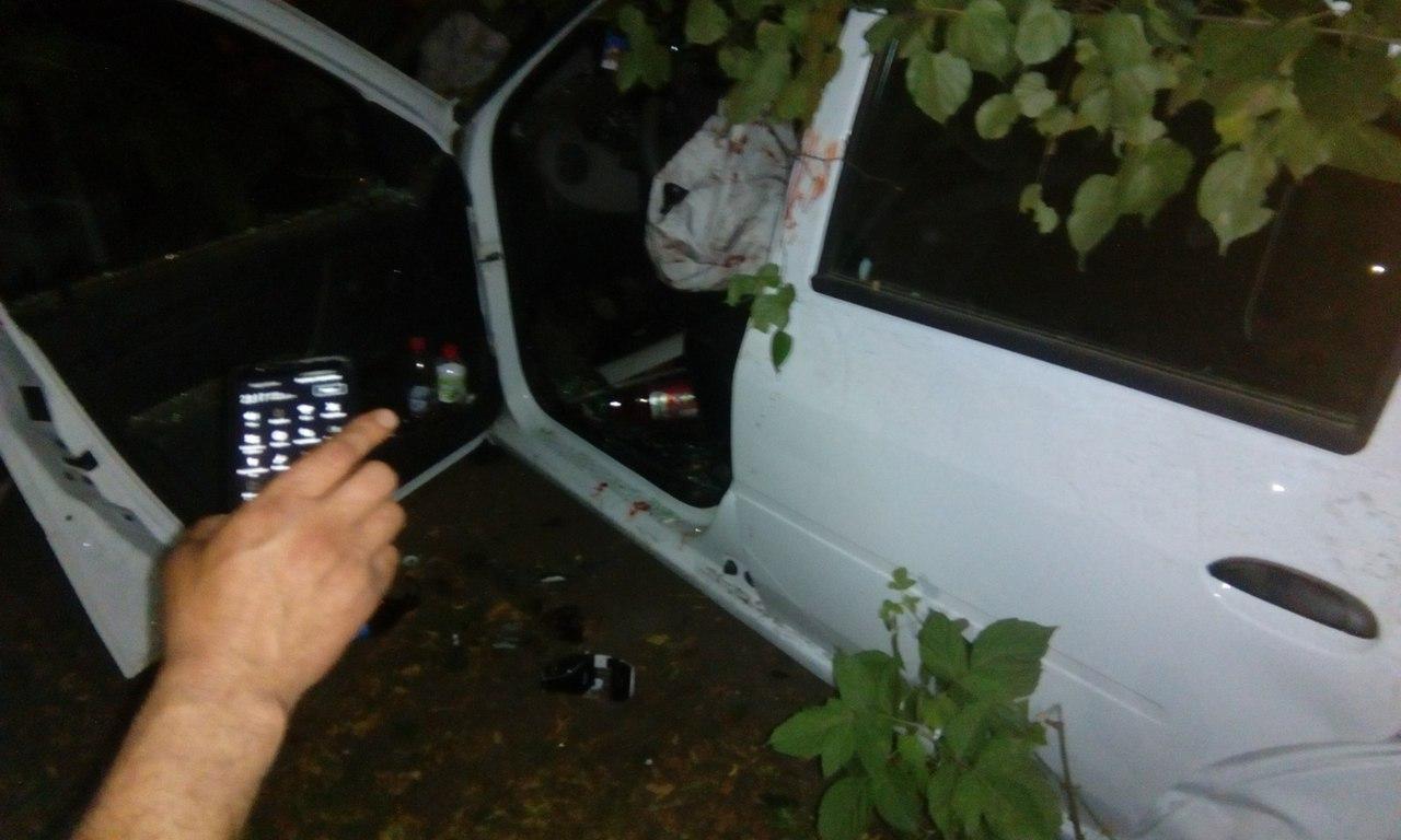 ВБрянске банда угнала такси иснесла остановку: ранены двое