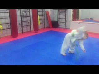 Немного акробатики и каратэ