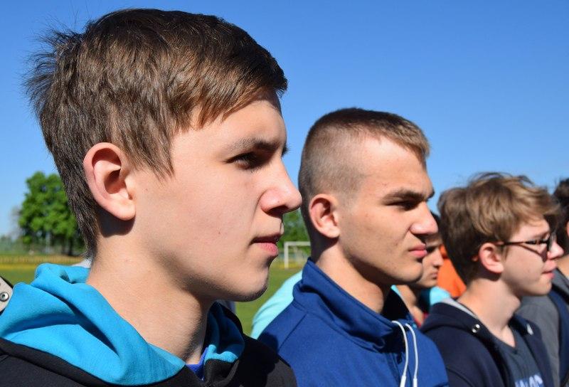 Игорь Луданов рассказал ребятам о  порядке  поступления в высшие и средние военно-учебные заведения