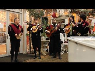 Выступление Туны Университета Саламанки. Испанцы играют русские мелодии.