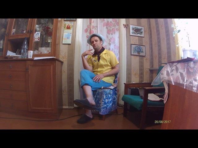 Андрейка исполняет песенку На крутом бережку