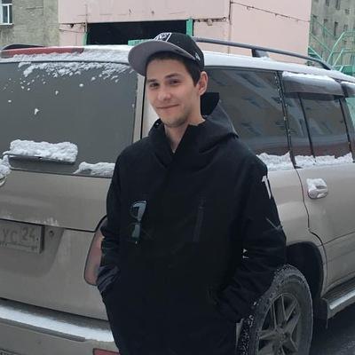 Рустам Насыров