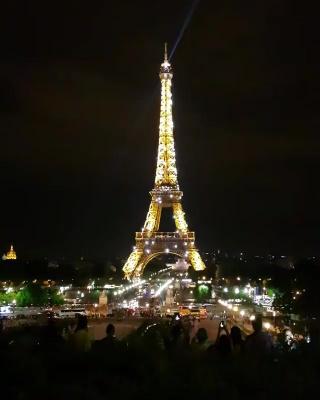 #여행 #여행스타그램 #6일차 #유럽 #프랑스 #파리 #에펠탑 #반짝반짝 #10시정각 #쇼... Париж 20.08.2017