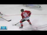 Patrick Kane records hat trick against Coyotes