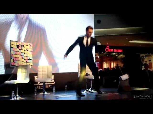 Локи танцует