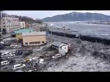 Японию затопило Волны сметают постройки.Japan Tsunami 2011 Ocean Overtops Wall