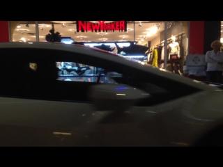 Lamborghini Huracan vs Skin Emotion