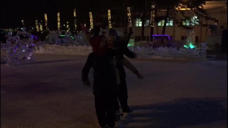 Танцы на льду. Хорошие друзья никогда не позволят тебе дурачиться в Одиночку 😉😂