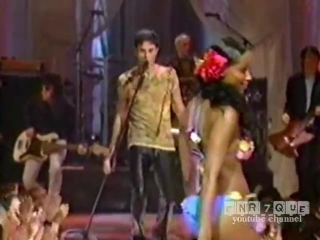 Enrique Iglesias - live @ NYC Fashion Show (Hero, Escape, Love to see you cry)