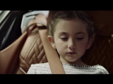Booger/Sixt advertising: a little girl picks his nose to the back of a car 2017