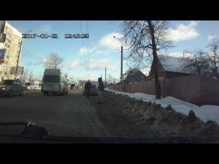Автобус сбил на зебре пешеходов в Иванове