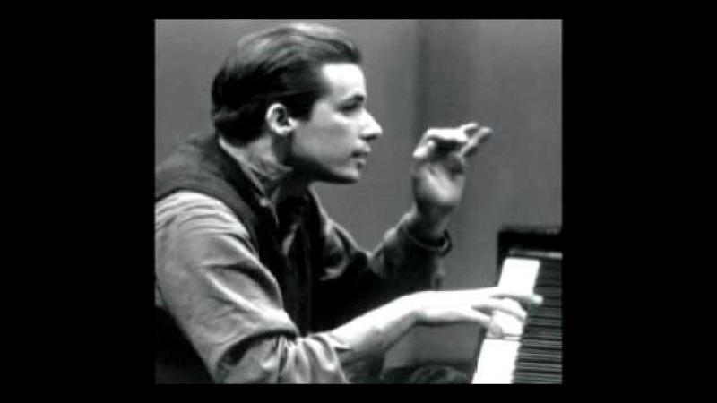 Piano Sonata K 331 (Mozart) - 1st mvt. Glenn Gould
