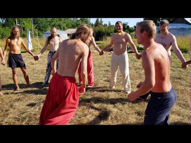 С.Жданов - Молодецкая забава Вытолкать из круга | Собери Свою Матрёшку '17