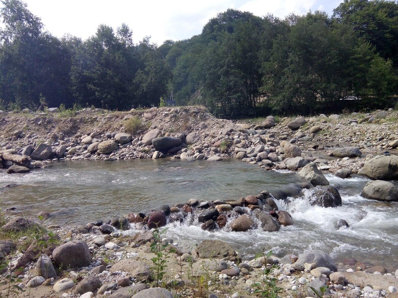 Воскресный отдых на Белой речке.