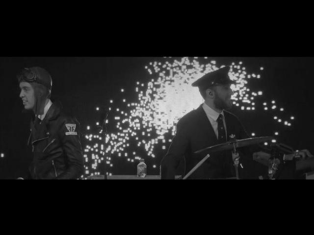 The C90s - Shine A Light (Flight Facilities live remix with MSO) » Freewka.com - Смотреть онлайн в хорощем качестве